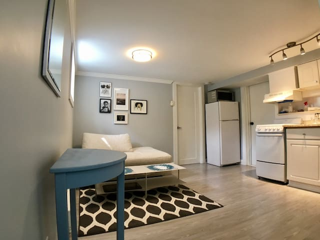 Newly Renovated One Bedroom Apartment in Norwalk - Norwalk - Daire