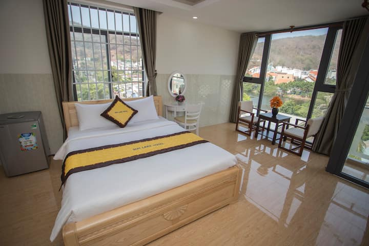 Boutique Room Near Lake, Mountain and Beach