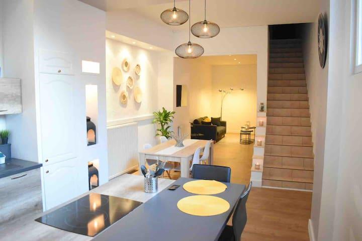 Grand appartement au centre ville. 3ch/3sdb