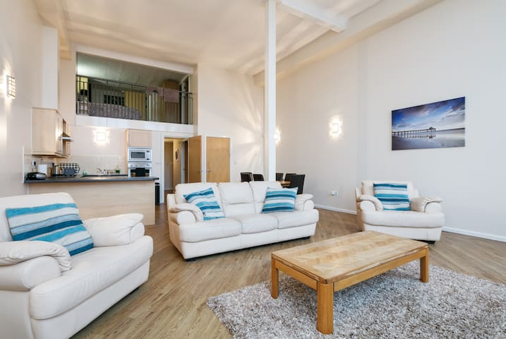 SPACIOUS DUPLEX APARTMENT - Preston - Lägenhet