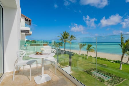 Luxury Oceanfront Apartment with Private Beach