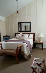 June Lake Chalet, Chalet Suite 5 / Sleeps 4
