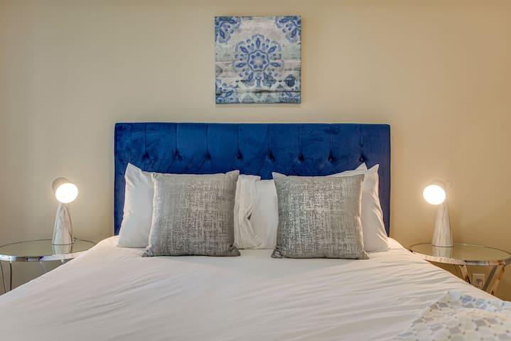 Dormigo Comfy 1 Bedroom minutes drive from Centennial Park & Vanderbilt