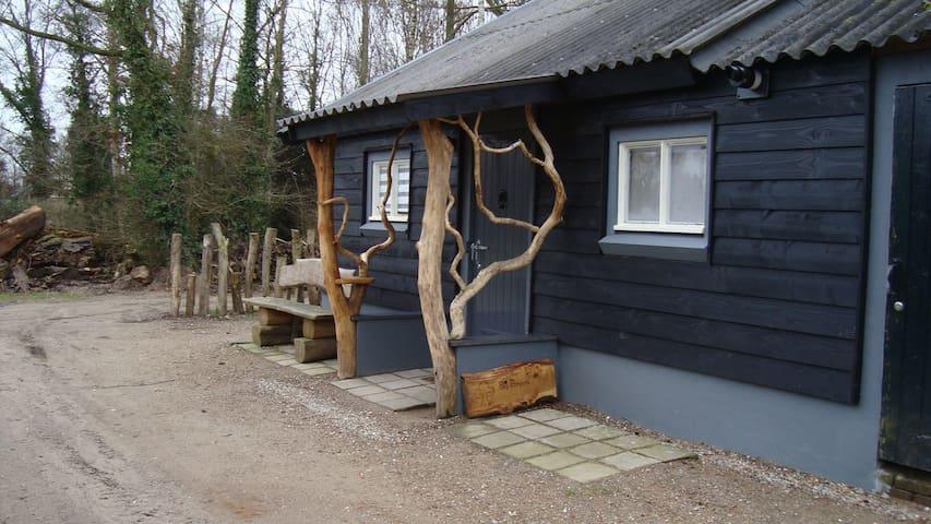 Mooi en luxe vakantiehuisje huizen te huur in wenum for Te huur in gelderland