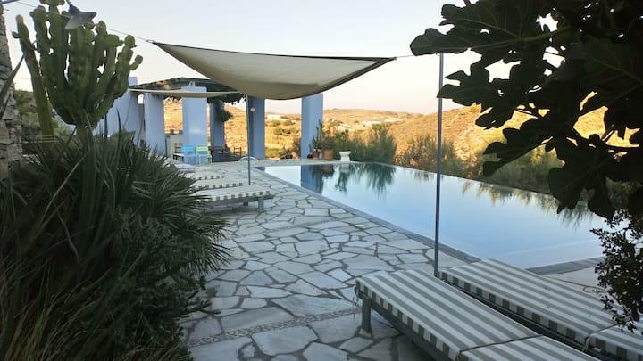 Marina-Fly petite maison, cuisine près de piscine