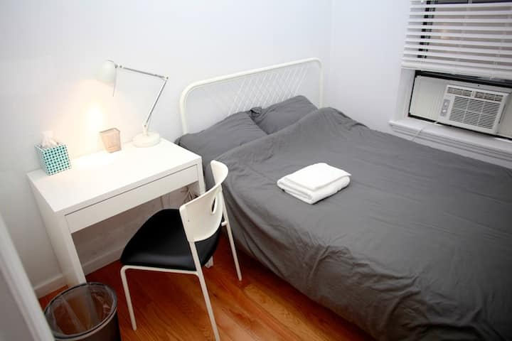 Comfort room in Downtown Manhattan, center of city