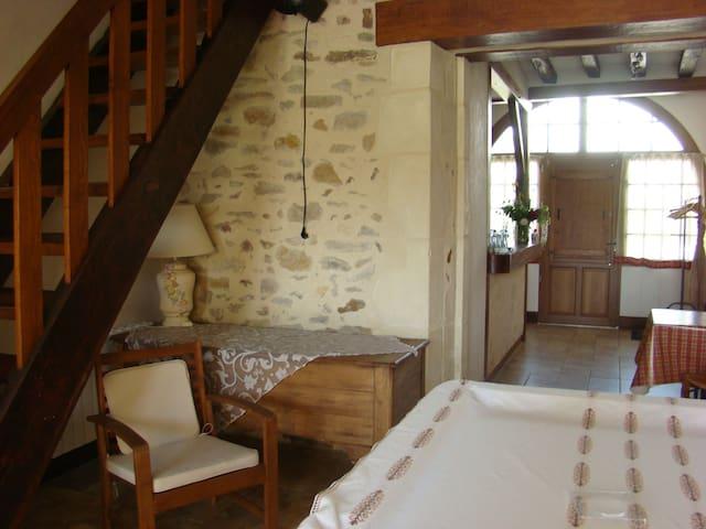 LOGEMENT PROCHE CIRCUIT 24 heures DU MANS - Saint-Ouen-en-Belin - Casa