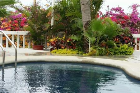 Peaceful house on the Ocean - Punta Blanca