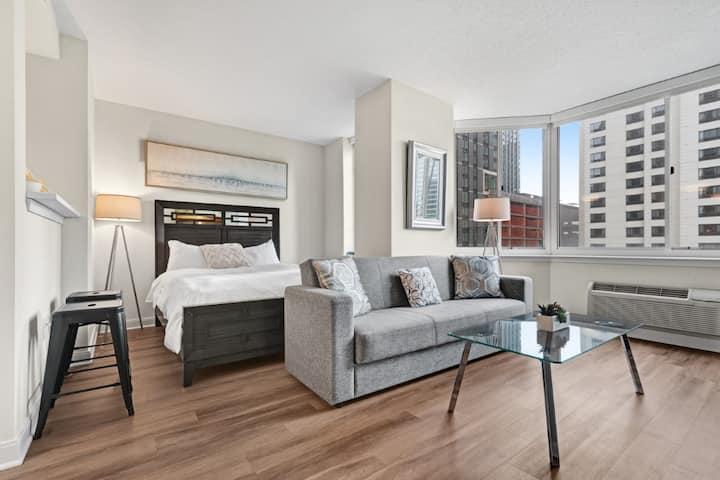 Luxurious Jersey City Studio Apartment near NYC