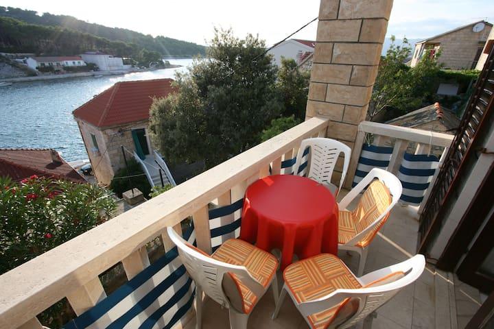 Villa Pupa A4, sea view apartment - Povlja - 公寓