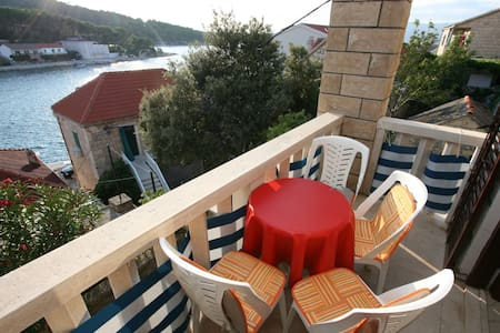 Villa Pupa A4, sea view apartment - Povlja - Daire
