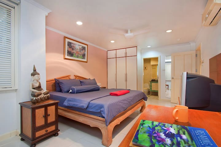 Argyle 1 Bed (6) 80 m2 Phratamnak