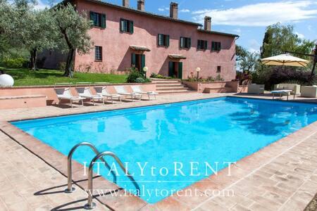 VILLA IL CONVENTO, pool - sleeps up 16 - Foligno - Villa