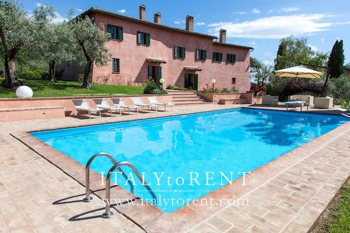 VILLA IL CONVENTO, pool - sleeps up 16