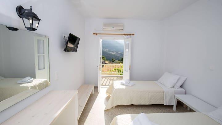 Twin room in Hotel Galini in Katavati