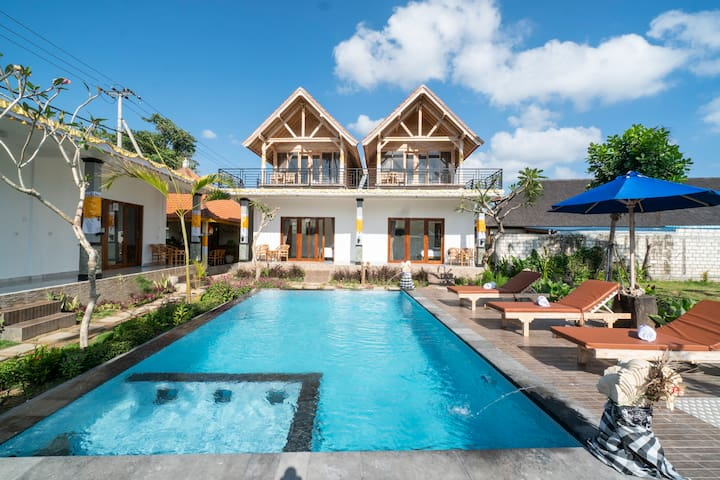 Tropical Private Beach Cabin For Snorkel Addicts