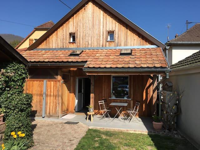 Gite rural tout équipé avec terrasse , indépendant
