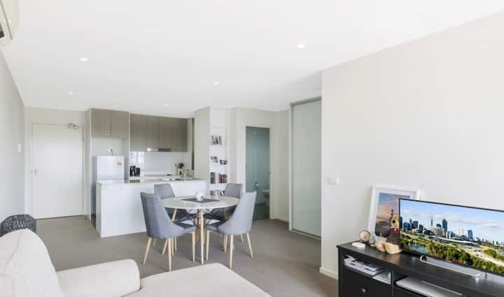Fabulous 1-bed apartment in Braddon