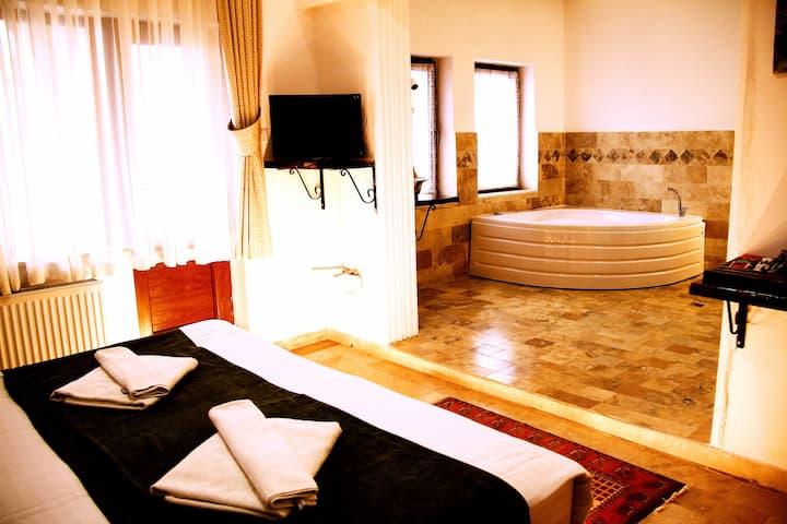 Kufe Hotel Deluxe Room with jakuzi(inc, Breakfast)