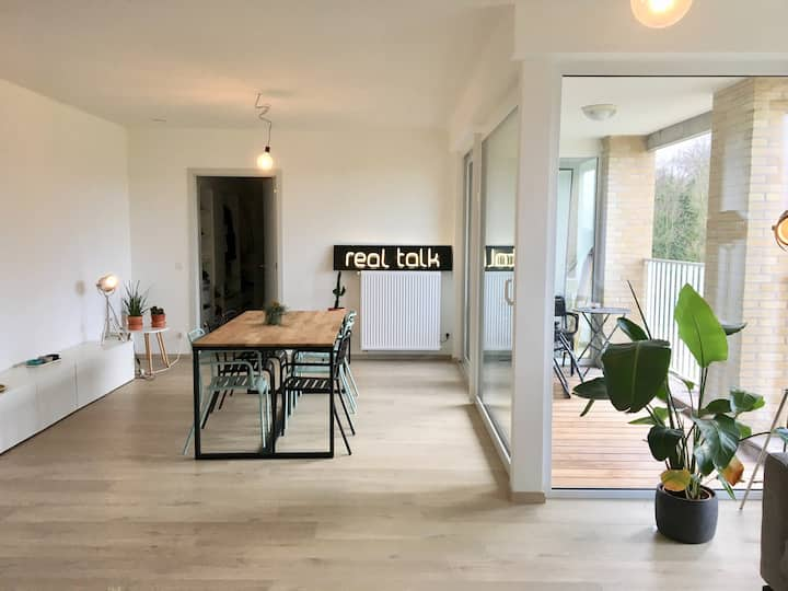 new, cosy room near station Dampoort Gent