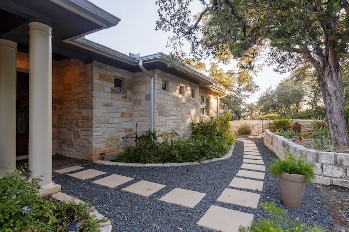 Casa De Jane at Lake Travis, the perfect getaway!