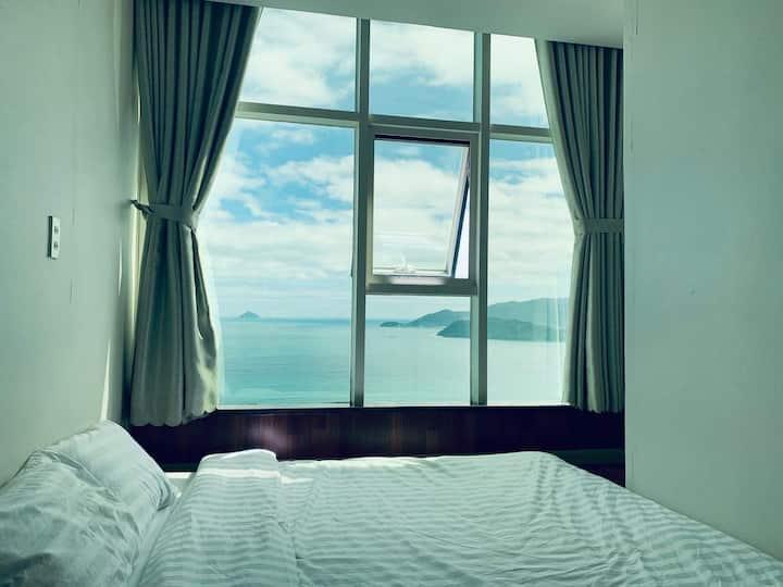 Căn hộ với tầm nhìn ra đại dương Rubies Apartment