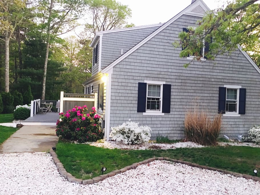 Cape cod retreat now booking for summer of 2018 houses for rent in mashpee massachusetts - Large summer houses energizing retreat ...