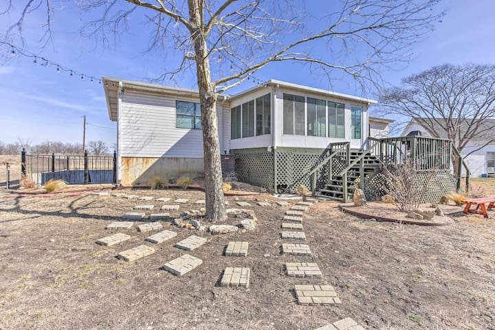 NEW-Rustic 4BR Decatur House w/Entertainment Room