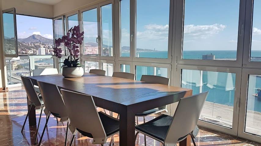 Large Apt With Sea and harbour Views in Malaga cen - Málaga - Apartamento