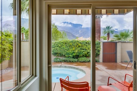Romantic downtown with private Spa. - Palm Springs