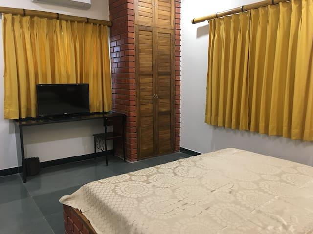 """""""Kiran Ganga"""" Room 4"""