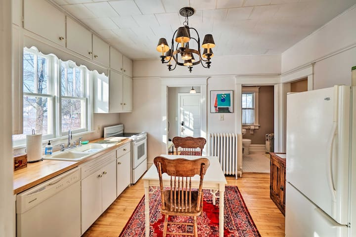 Restored 1930's Bungalow w/Fire Pit, Walk to Town!