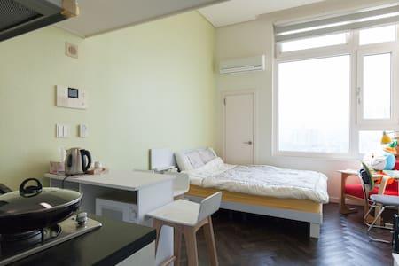 Duplex,Free Wi-fi,subwaystation - Bupyeong-gu - Loft