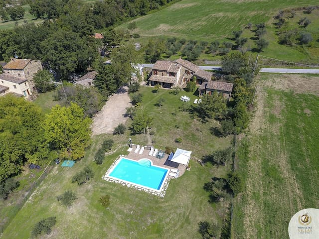 Villa Claudia, in the heart of the Sibillini Mountains National Park