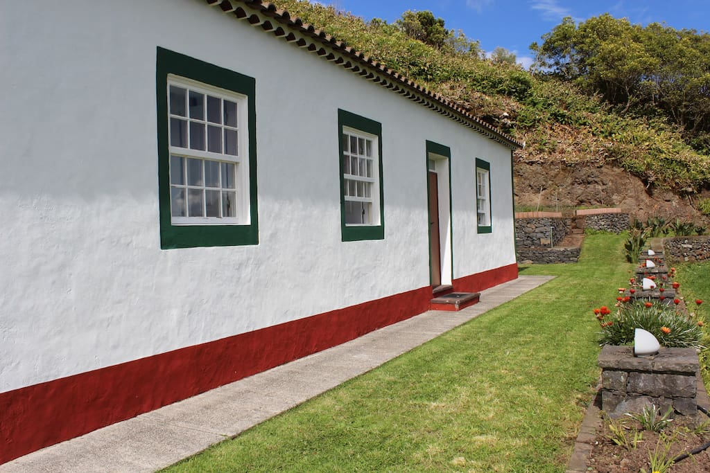 Casa da av rural tourism houses for rent in santo esp rito azores portugal - Casa rural lisboa ...