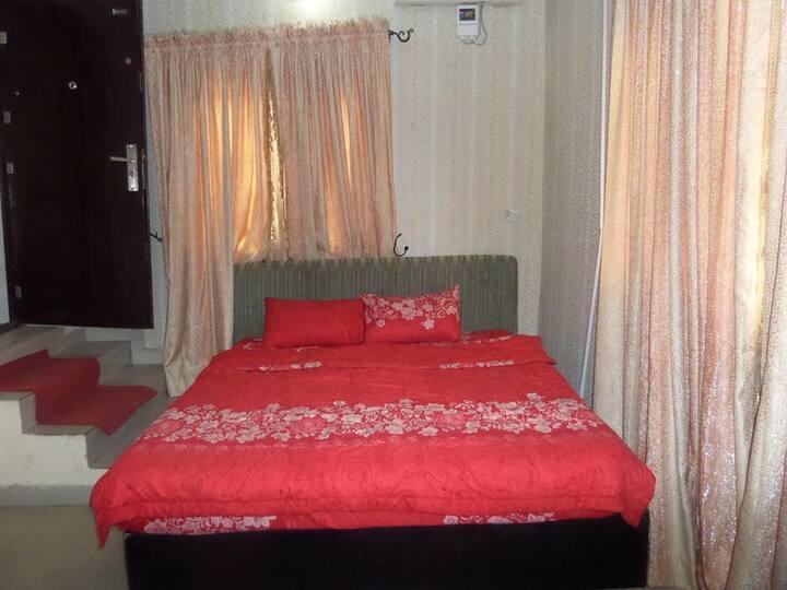 Green Royal Suites Annex - Luxury Suite