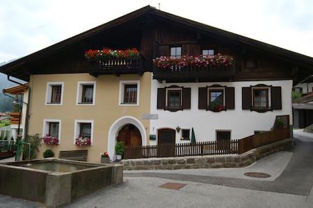 Ferienwohnung via Fienili, 5 Pers. - Gossensaß - Huoneisto