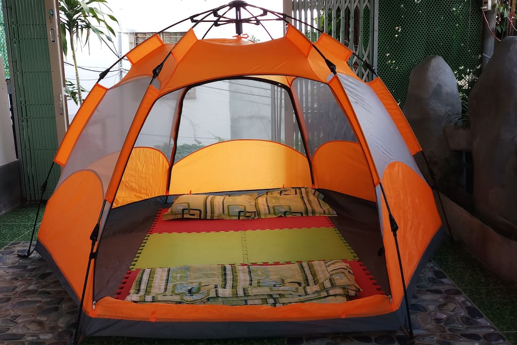 tent bed for 2 - 3 guests