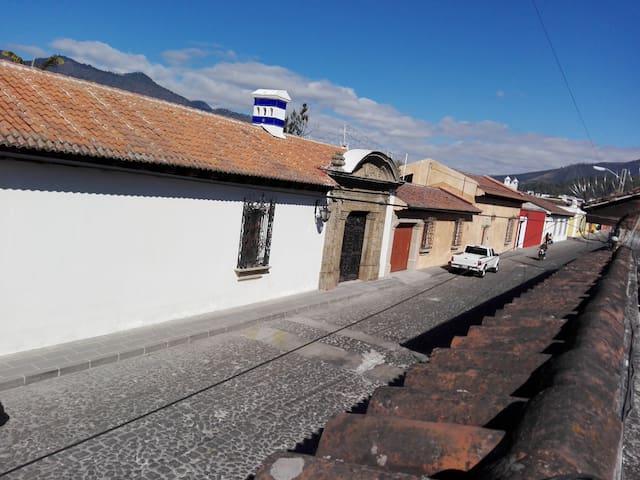 Habitación doble, Casa De León