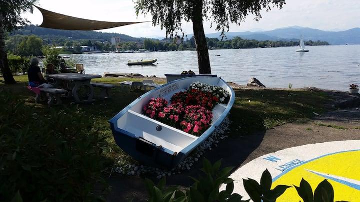 Sul lago, tranquillo, ristrutturato a nuovo