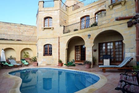 Gozo Retreat close to Cliffs and Beaches