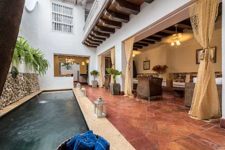 Big Colonial House Inside The Walled City - Cartagena - Casa