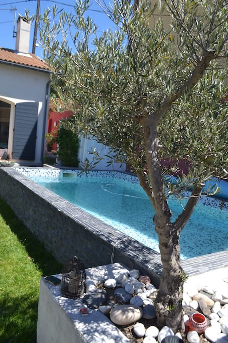 Belle maison avec piscine grotte roland proche mer for Maison a louer a marseille avec piscine