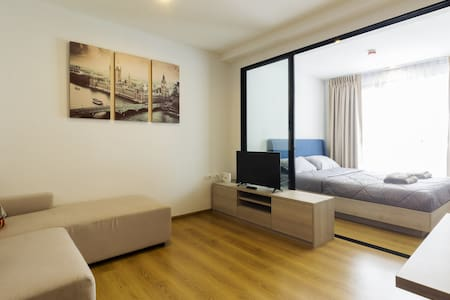 Bright and spacious condo in heart of Phuket