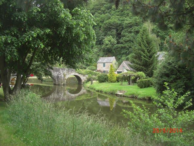 Séjour romantique près de Dinan à Lehon dans - Léhon