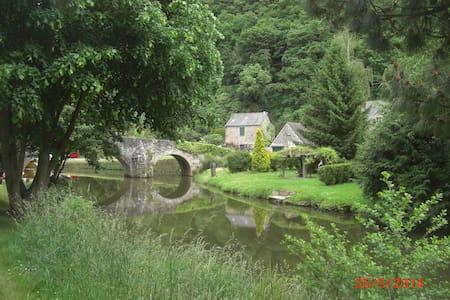 Séjour romantique près de Dinan à Lehon dans - Léhon - Rumah