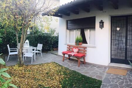 """""""Le Gardenie di Tito"""", near Venice. - Mogliano Veneto - House"""