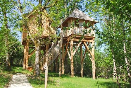 """maison dans les arbres """"la Forêt"""" chez Nid2Rêve"""