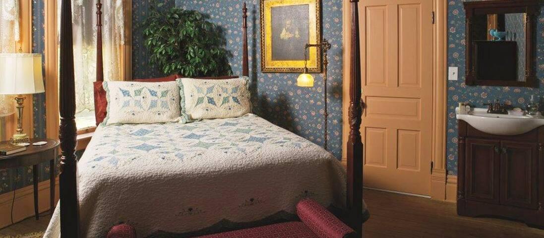 Florence Rose Guesthouse/ Elizabeth Anne Room