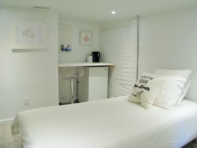 ★Cozy★Central★Live TO like a local (en suite bath)
